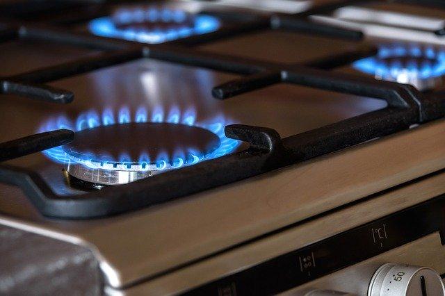 شركة تنظيف افران الغاز بالرياض 0558949505 اتصل الان نصلك فى الحال